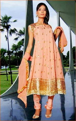 Designer Dress Patterns on Churidar Kurta Designs To Look Slim Churidar Designs For Fat Women