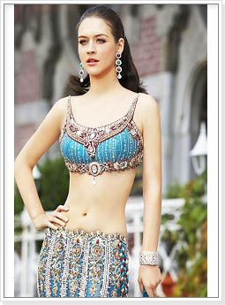 Choli Blouse http://www.indianwomenclothing.com/photo-gallery/saree-blouse-styles-designs.html